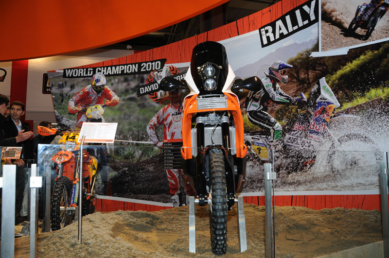 KTM 450 Rally, vista frontal