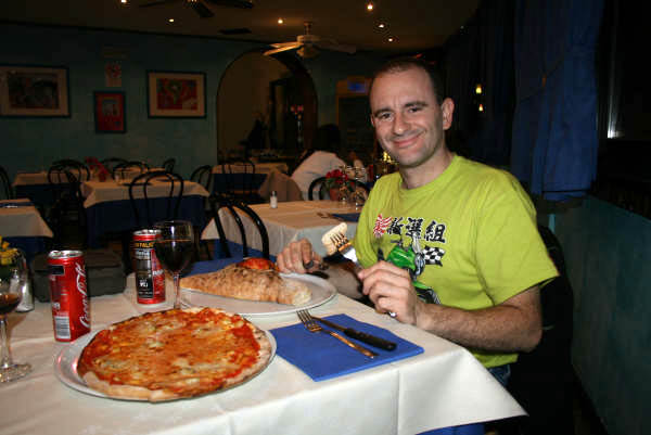 Pizza, calzone y Coca-Cola