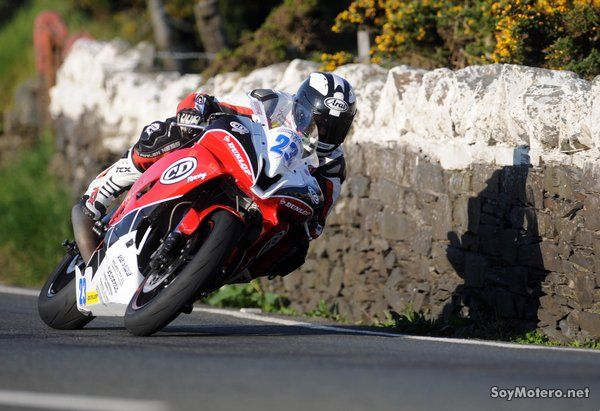William Dunlop - 600cc Yamaha / CD Racing
