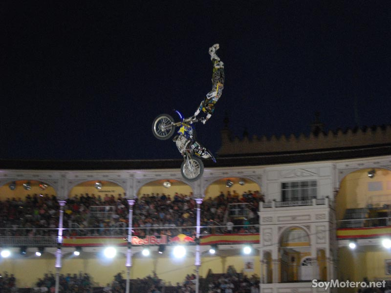 Red Bull X-Fighters Madrid 2009 - empacho de saltos en la plaza de Las Ventas