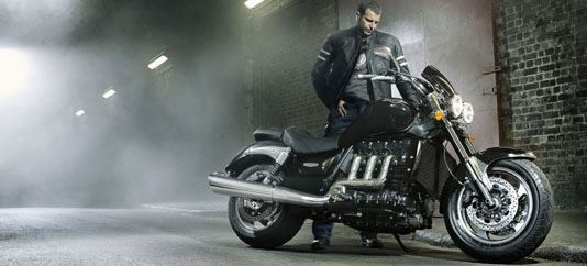 Nueva Triumph Rocket III Roadster 2010 - Street Fighter