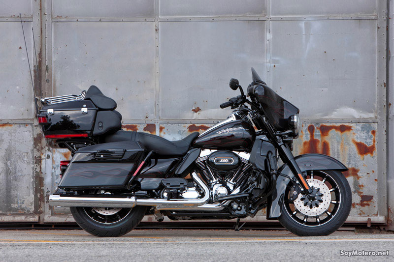 Harley Davidson Ultra Classic Electra Glide 2010 - vista lateral derecho