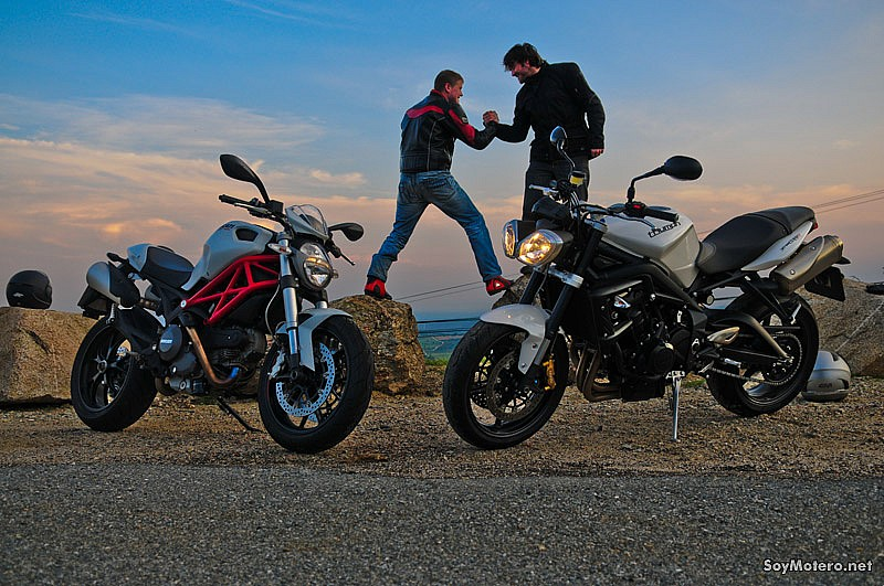 Comparativa Ducati Monster 796 vs Triumph Street Triple R: lucha naked
