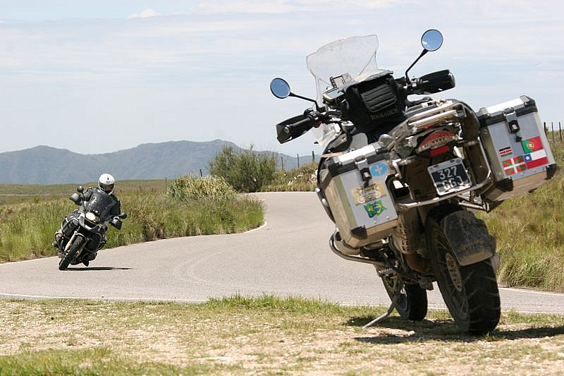Dos BMW R1200GS Adventure y un destino