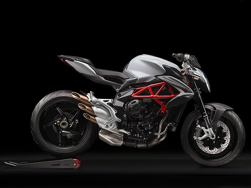 MV Agusta Brutale 800 35 kW - lateral