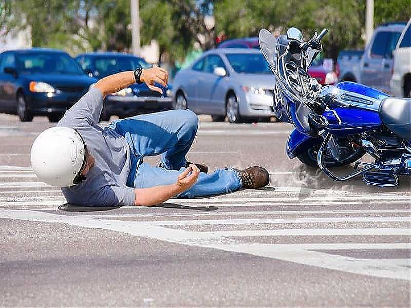 Accidentes y caídas en moto