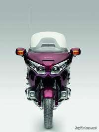 Honda GoldWing GL1800 2010 - Vista frontal