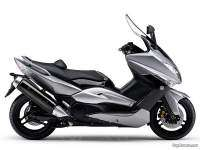 Yamaha TMAX - gris con asiento negro