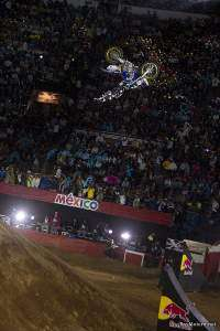 Red Bull X-Fighters México 2010 - Salto invertido de Robbie Maddison