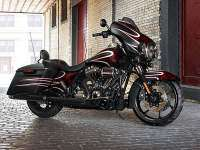Harley-Davidson Street Glide Special perfil calle