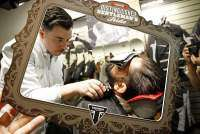 Retoques de barbero en el Distinguished Gentleman's Ride