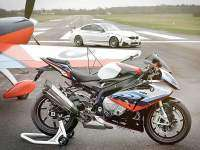 BMW S1000RR - BMW M4 - lateral