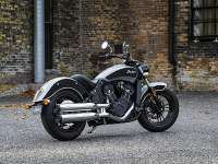 Indian Scout Sixty, trasera