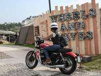 Moto Guzzi en el Wheels & Waves 02