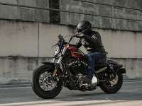 Harley-Davidson Sportster Forty-Eight Special - accion