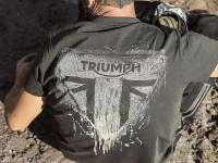 Black Weekend de Triumph - camiseta