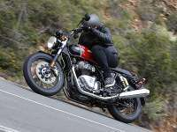 Prueba Royal Enfield Interceptor con pantalón Racered Falcon