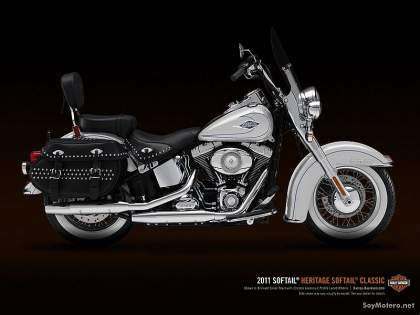 Harley-Davidson Heritage Softail Classic 2011 - brilliant silver pearl