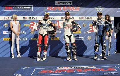 Jonathan Rea junto a Carlos Checa y Laverty en Portugal 2011