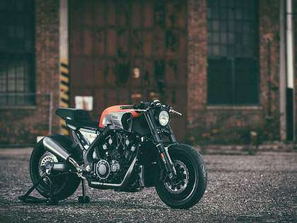 Una cafe racer drag con 200 CV Made in Yamaha
