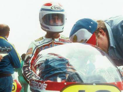 Freddie Spencer sobre la Honda NS 500.