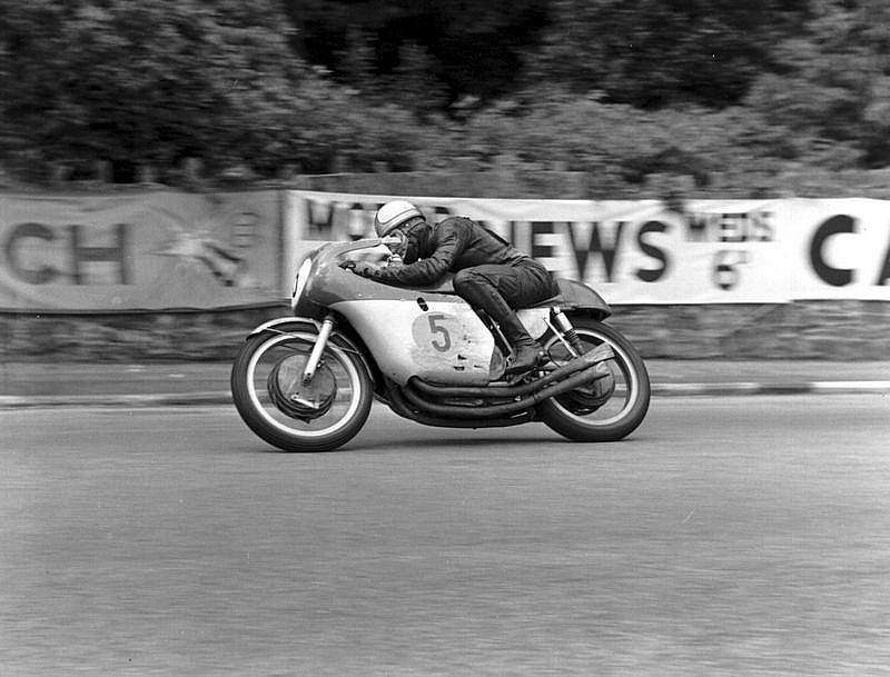 "Mike ""The Bike"" Hailwood, Tourist Trophy Isla de Man"