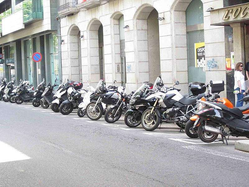 Parking de motos en ciudad