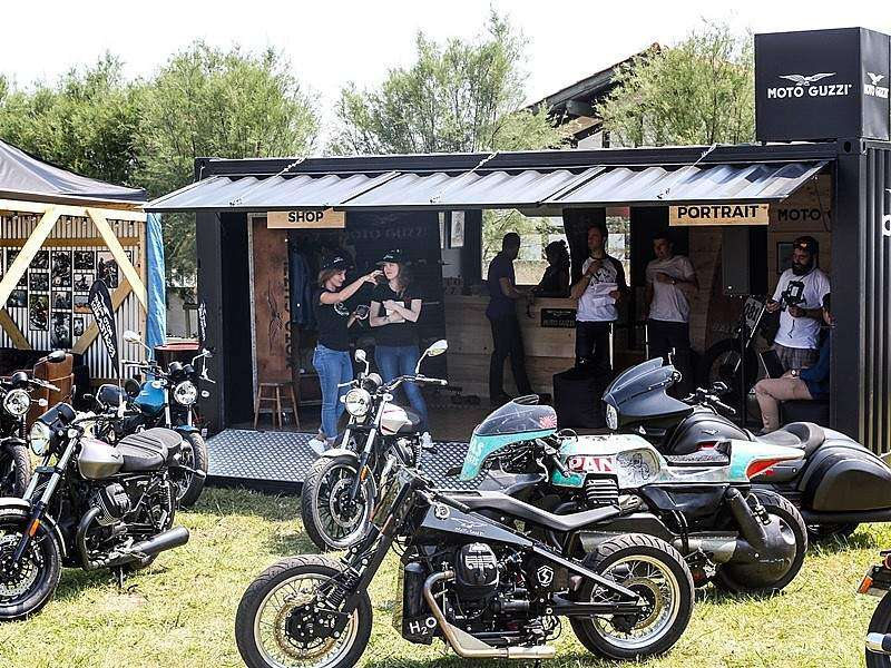 Moto Guzzi en el Wheels & Waves