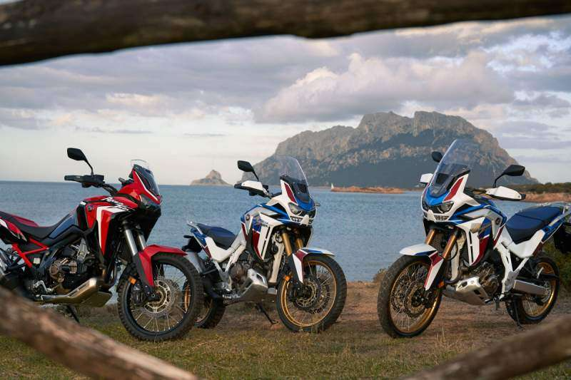 Africa Twin 2020 'Rojo GP' y versión Adventure Sports tricolor manual y DCT