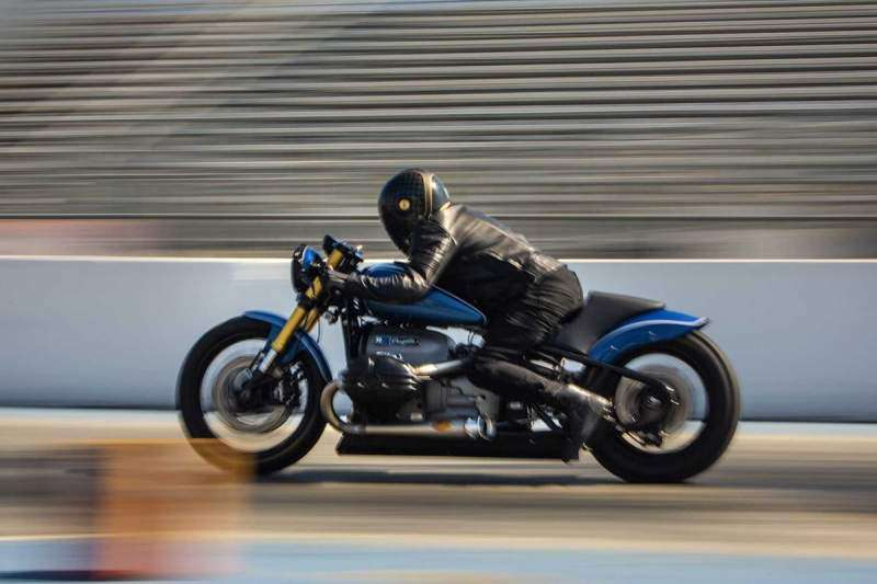 BMW R18 Dragster